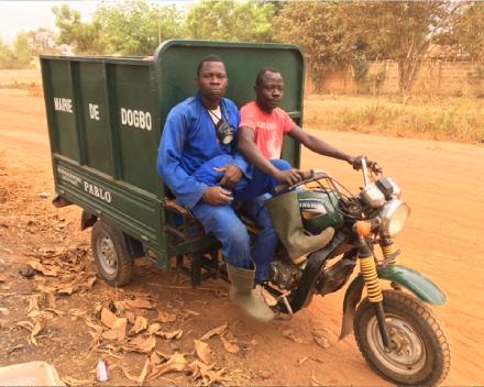 Afvalophalers met tricycle